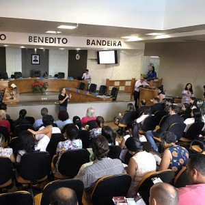 A presidente Josi Nunes destacou os cursos da FUG durante evento.