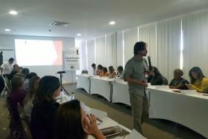 Marcio Carvalho durante sua palestra para os servidores da FUG.