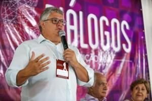 Durante sua fala na abertura do evento, o presidente da FUG-RS, João Alberto Machado, destacou o reconhecimento da FUG em relação à presidente Regina Perondi.