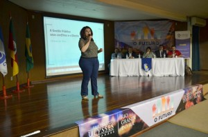 Elisiane da Silva destacou a importância de se falar sobre política.